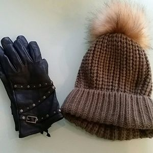 Hat and gloves bundle